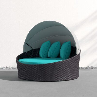 Sol 72 Outdoor Alaine Canopy Patio Daybed med kuddar |  Uteplats.