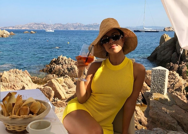 The Kardashian With The Best Vacation Style (& How To Steal It For.