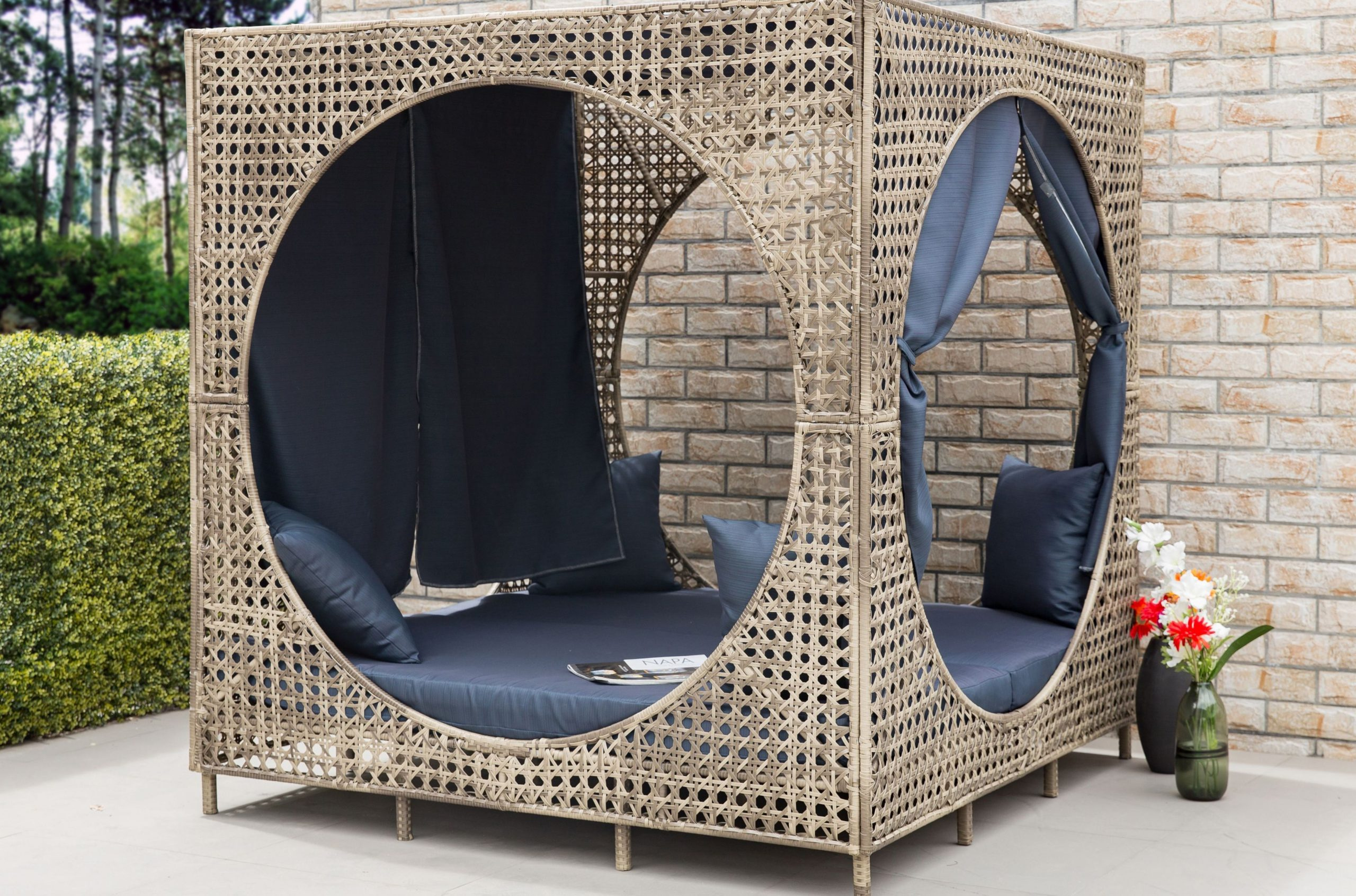 Brennon Cube Patio Daybeds With Kuddar