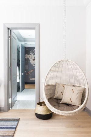 The Hanging Chairs: Interior Design Projects